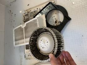 鹿児島市 浴室乾燥機分解クリーニング